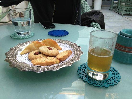 Riad Idra: tea and biscuits