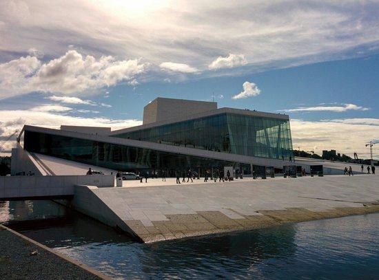 The Norwegian National Opera & Ballet : Opera House in August 2014.