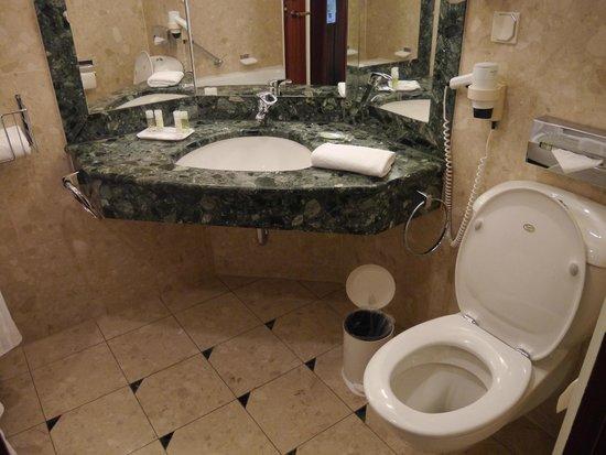 The Westin Bellevue Dresden: Bath room