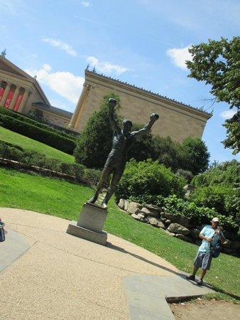 Rocky Statue : the statue