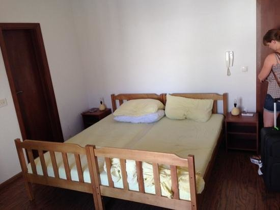 Anna Guesthouse: bed