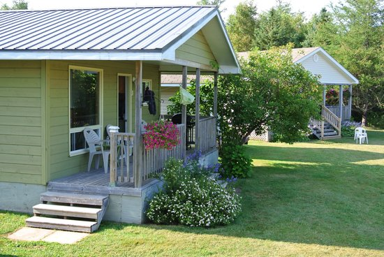 Fiddlers Green Country Cottages: Cabins