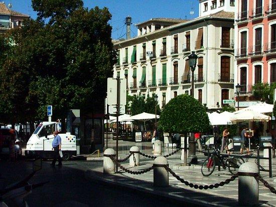 The Alhambra: Plaza Nueva