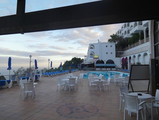 Colina Mar Apartments : view from the bar