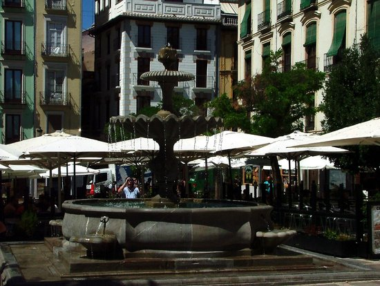 The Alhambra: Plaza Nueva