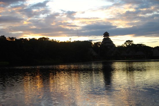 Napo Wildlife Centre: Sunset at the lodge