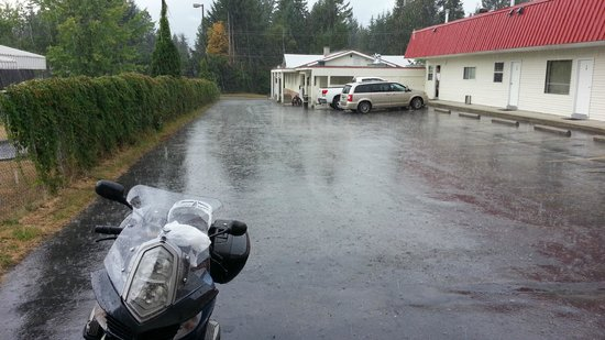 Canyon Court Motel: When it rains . . . it pours