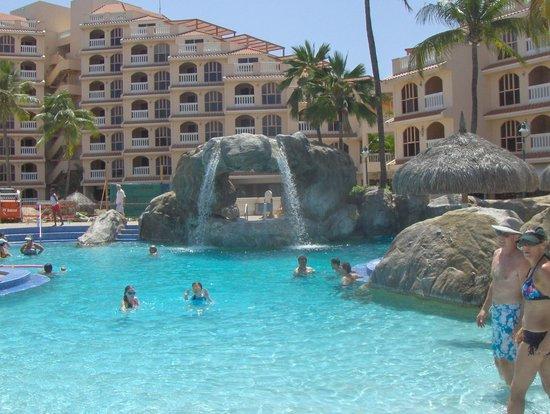 Playa Linda Beach Resort: pool