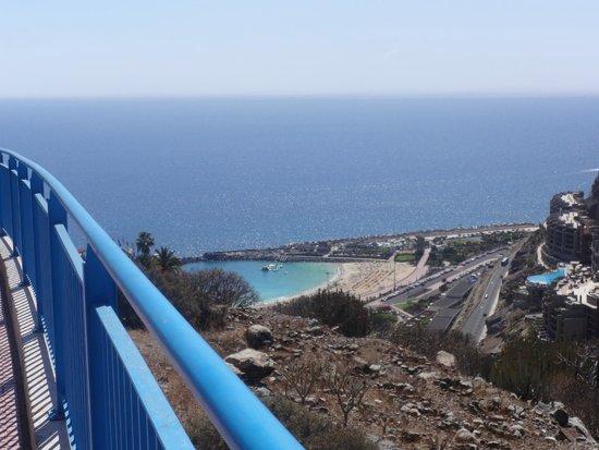 Colina Mar Apartments: beach view