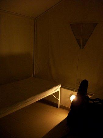 Santorini Camping: Tente avec lits