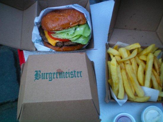 Burgermeister: Cheeseburger e patatine!