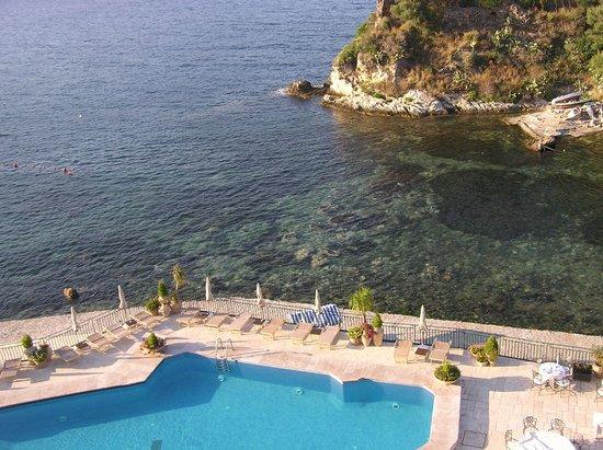 Grand Hotel Atlantis Bay: Бассейн