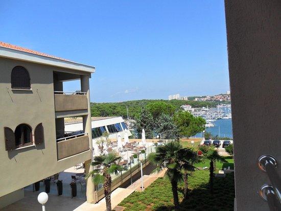 Park Plaza Histria Pula: Sempre foto dal balcone con vista verso il porto