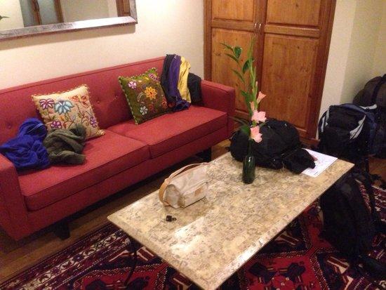 Second Home Cusco: Salottino della camera matrimoniale.