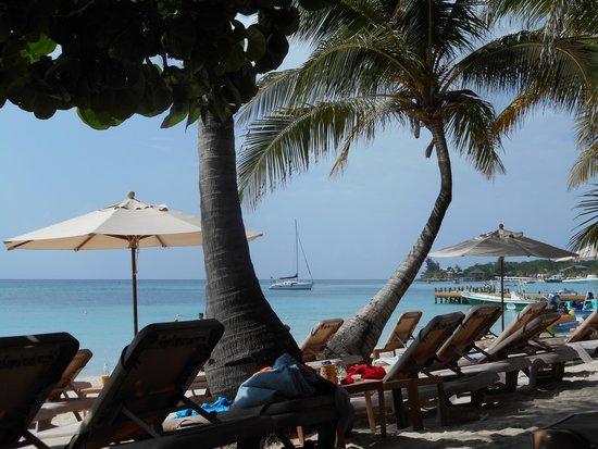Infinity Bay Spa and Beach Resort: Beach Chairs