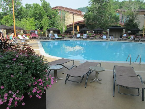 Harrah's Cherokee Casino Resort: Outdoor pool