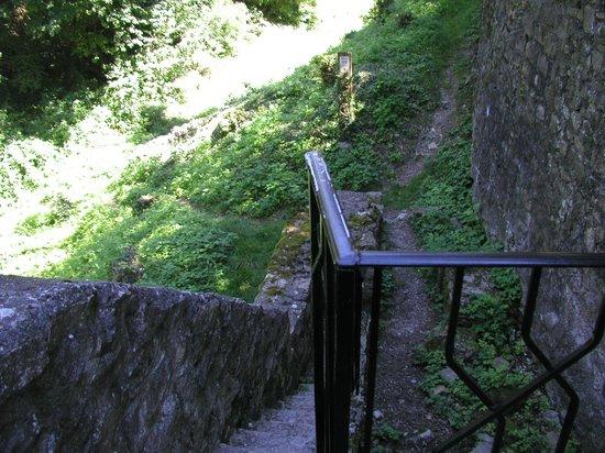 Petit escalier ext rieur photo de ch teau de fallavier for Petit escalier exterieur