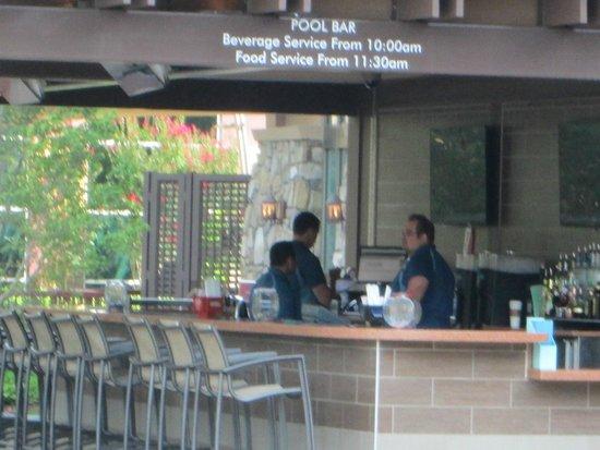 Harrah's Cherokee Hotel: Bar at pool