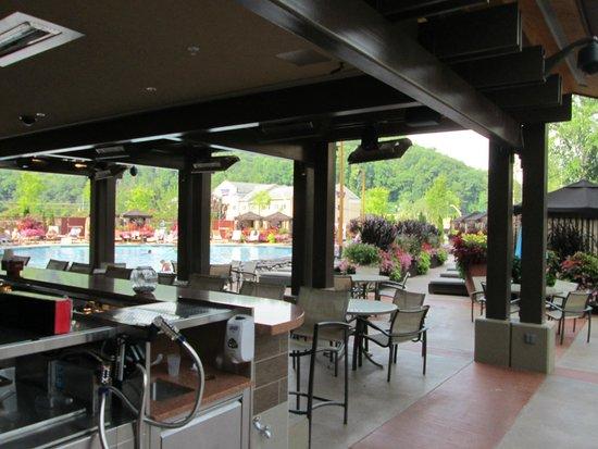 Harrah's Cherokee Hotel: pool area