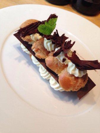 Brasserie Comptoir 44: Éclair chocolat blanc