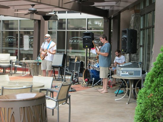 Harrah's Cherokee Hotel: band