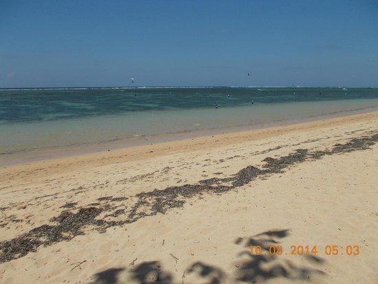Griya Santrian: Beach and lagoon