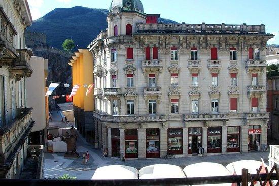 Croce Federale: Three mintes's walk to Castelgrande
