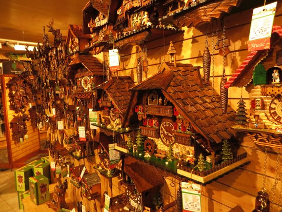 orologi a cucù - Foto di House of 1000 Clocks, Triberg - TripAdvisor