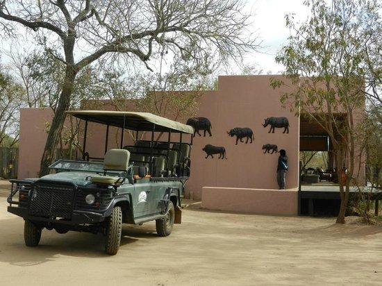Honeyguide Tented Safari Camps : Aufenthaltsgebäude