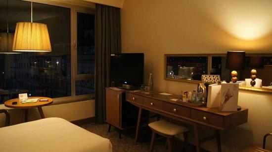 The Marmara Pera Hotel : zona de escritorio muy completa