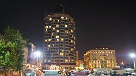 The Marmara Pera Hotel : hotel por la noche