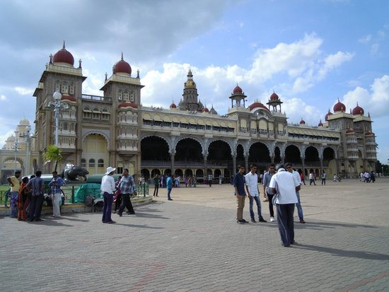 Mysore Maharajah's Palace (Amba Vilas): View of Palace
