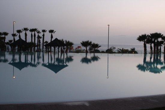 Gran Melia Palacio de Isora Resort & Spa: Evening dusk