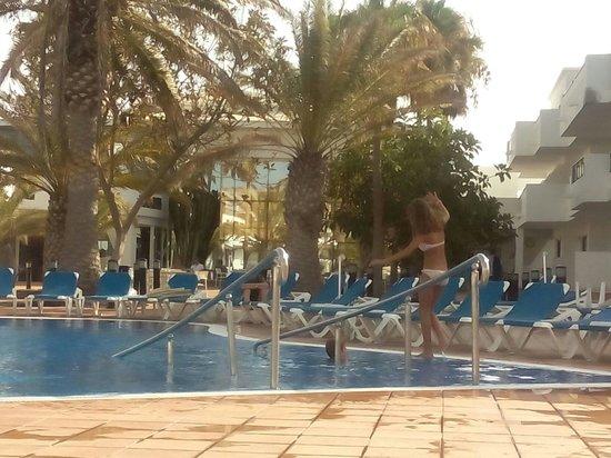 Be Live Experience Lanzarote Beach: Desde la piscina.