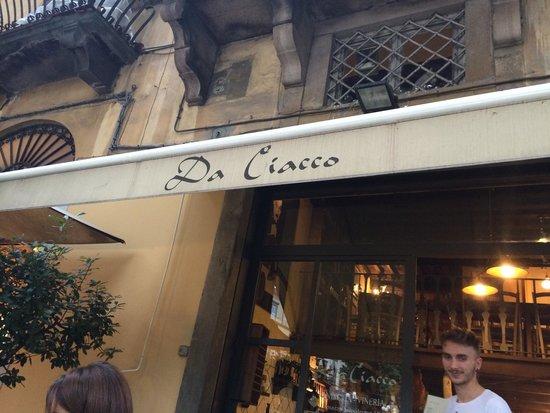 Da Ciacco : Super quaint place right in a peaceful square in Lucca