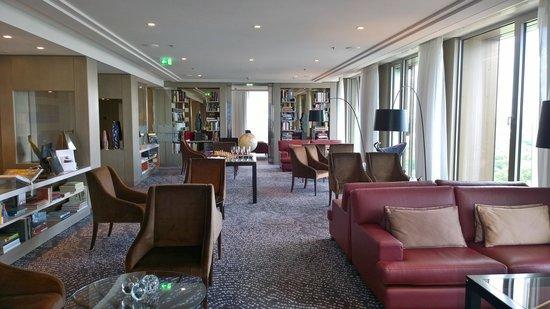 Waldorf Astoria Berlin: Library