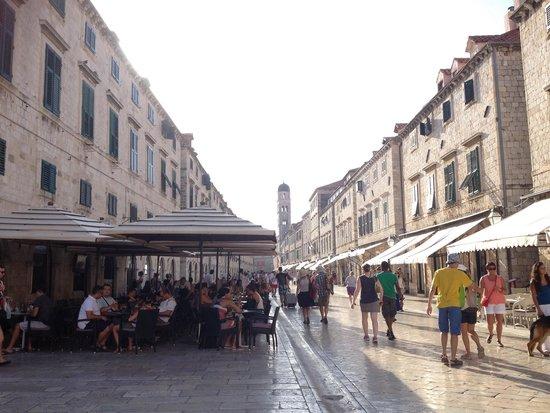 Old Town: Lo Stradun