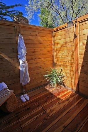 L'Auberge de Sedona : Outdoor Shower
