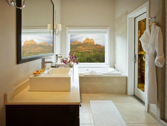 L'Auberge de Sedona: Vista Cottage and Suite Interior and View