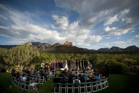 L'Auberge de Sedona: Wedding on SpiritSong with Red Rock View