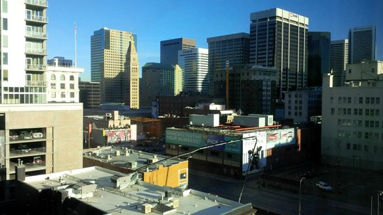 Embassy Suites by Hilton Denver - Downtown / Convention Center: Room view
