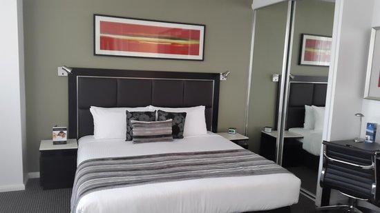 Meriton Serviced Apartments Campbell Street: studio bedroom