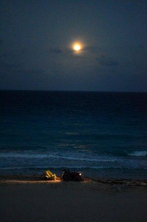 The Royal Caribbean: Desde la habitación, con luna llena