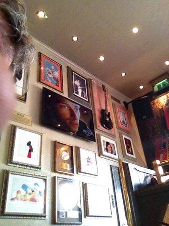 Hard Rock Cafe London: Genuine