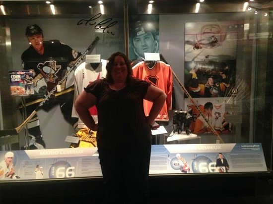 Hockey Hall of Fame: Mario Display