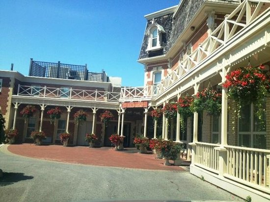 Prince of Wales: The hotel itself...such character and even more beautiful inside too!