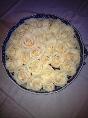 Prince of Wales: Bowl of fresh white roses in the drawing room