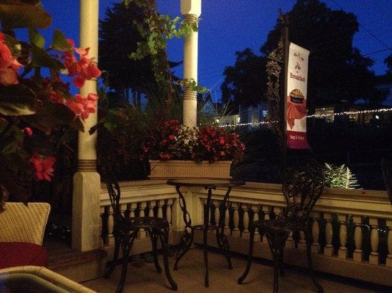 Oak Street Hotel: Great big porch with big comfy chairs to flop down in after a big day in hood river.