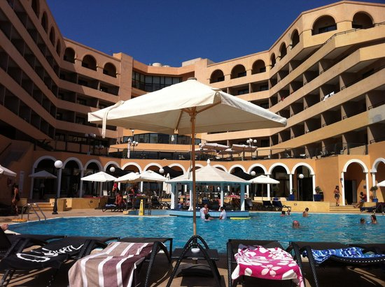Radisson Blu Resort, Malta St Julian's: One of the three pool