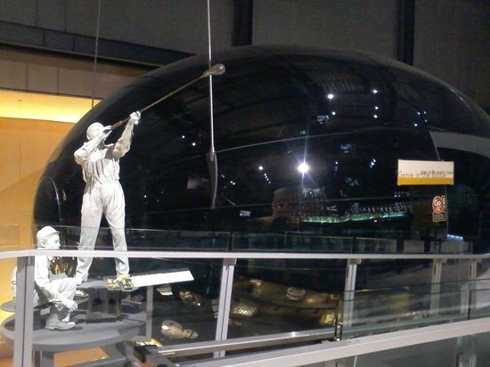 The Corning Museum of Glass: Tribute to the glassblowers - inside Inovation Center